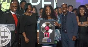 Tasha cobbs goes platinum with break every chain