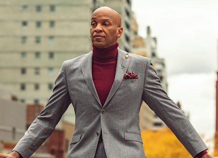 Donnie McClurking's 'A different Song' debutes at number 1